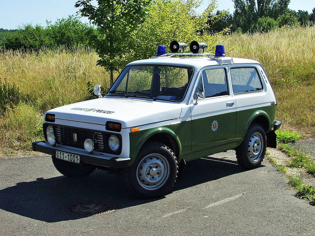 Funkstreifenwagen Lada Niva