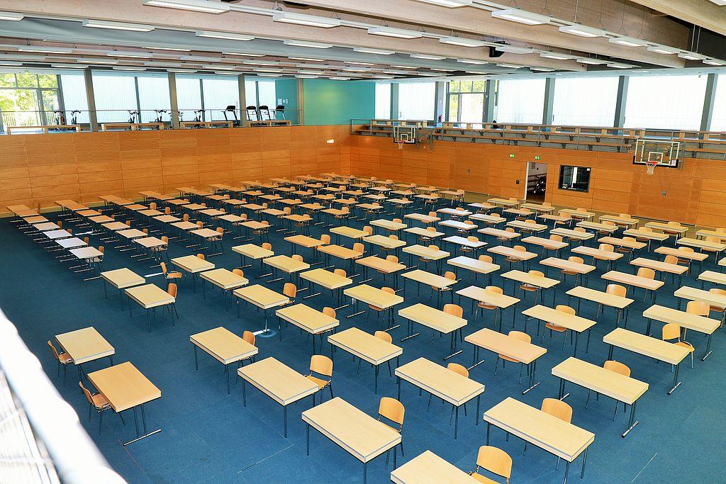Multifunktionshalle Klausuren