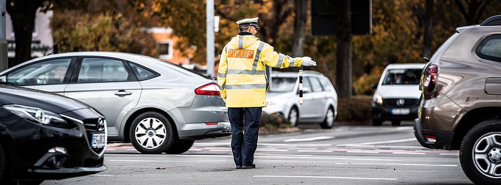 Verkehrsregulierung der Polizei